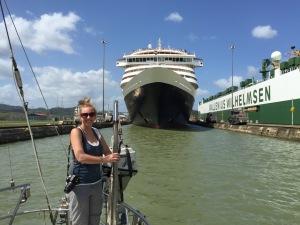 Going through the Panama Canal on a 40-ft sailboat (2015)